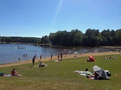 Pour nous trouver Coiroux lac parc eau soleil plage sable